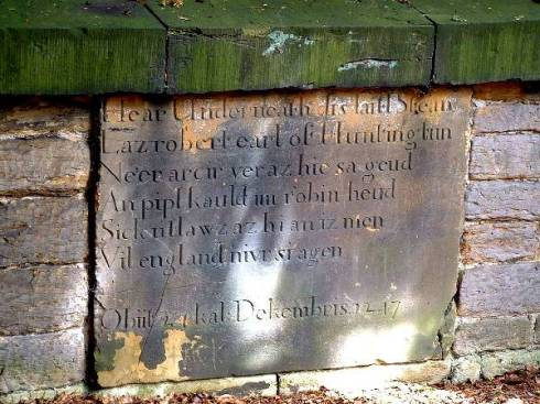 Robin_Hood_inscription_on_the_gravestone_in_the_Kirklees_Estate_grounds,_in_West_Yorkshire Richodee